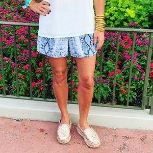 Pants - Snake Shorts